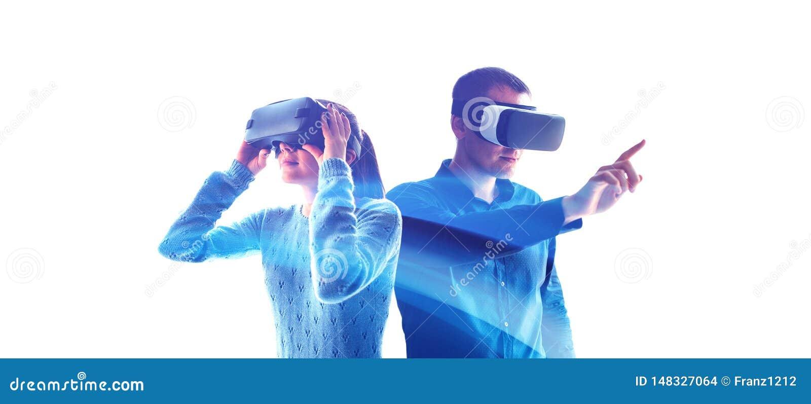 Folk i faktiska exponeringsglas VR