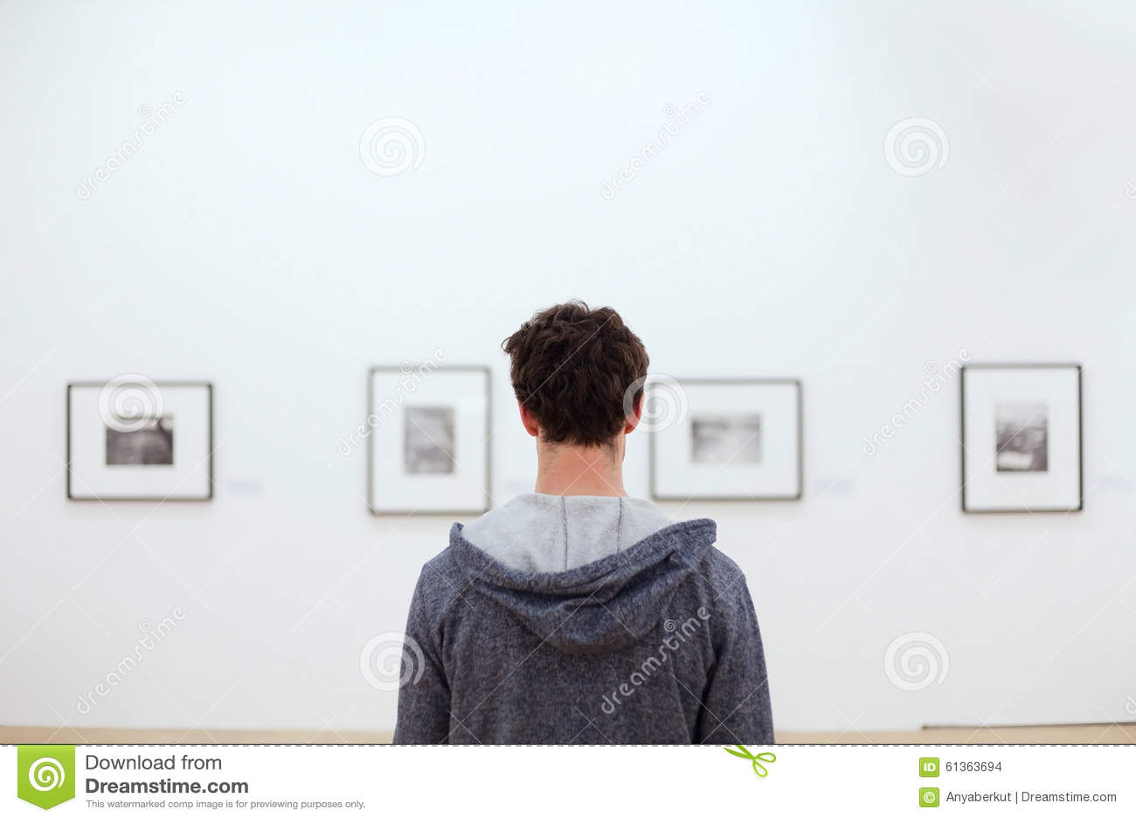 Folk i konstmusem