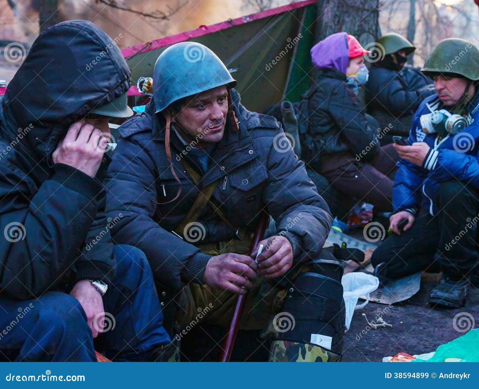Folk på barrikaden i Kiev, Ukraina
