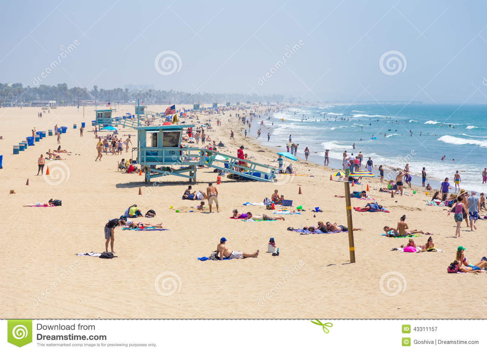 Folk på strand