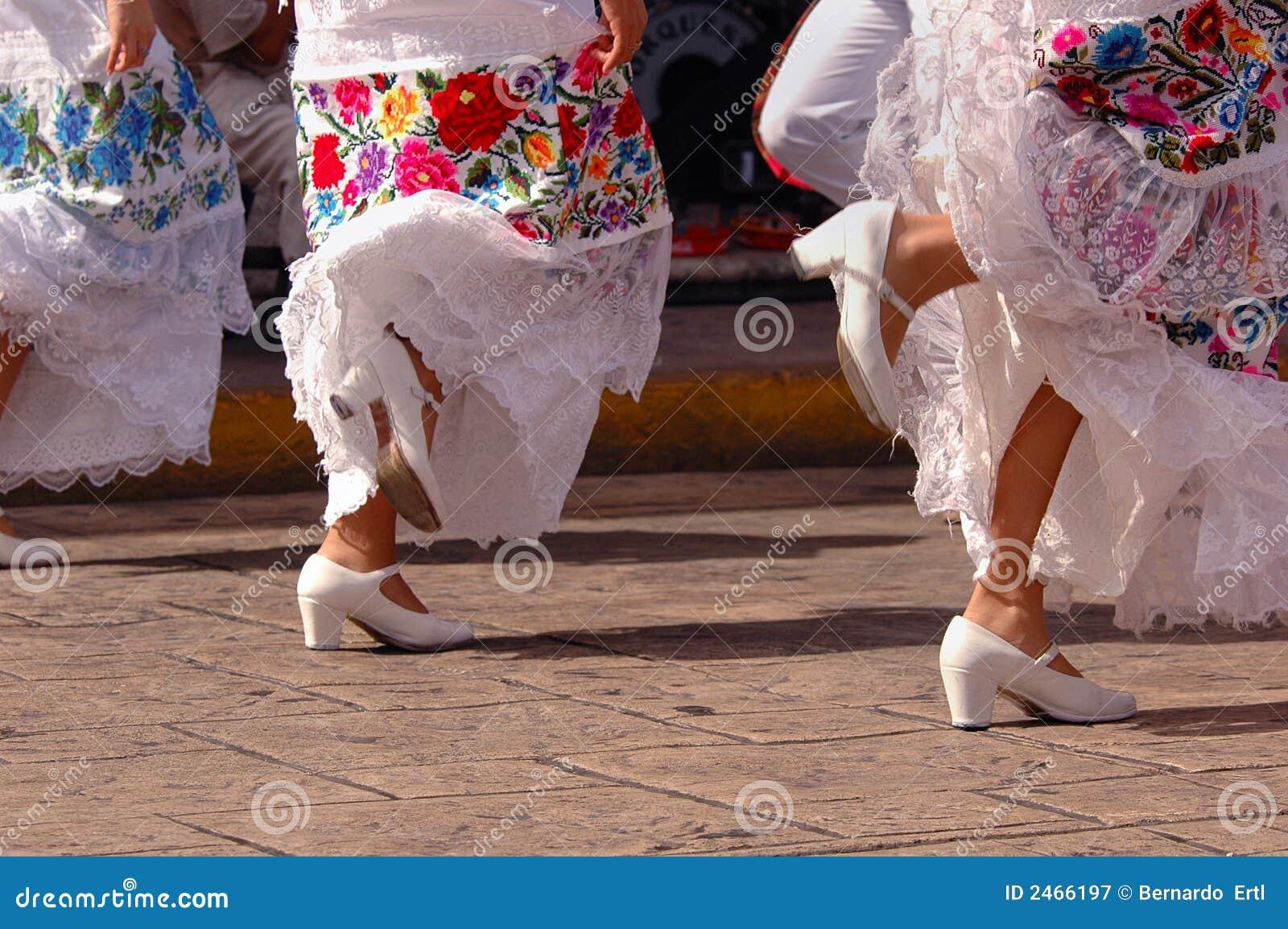 Folklorische Tänzer in Mexiko