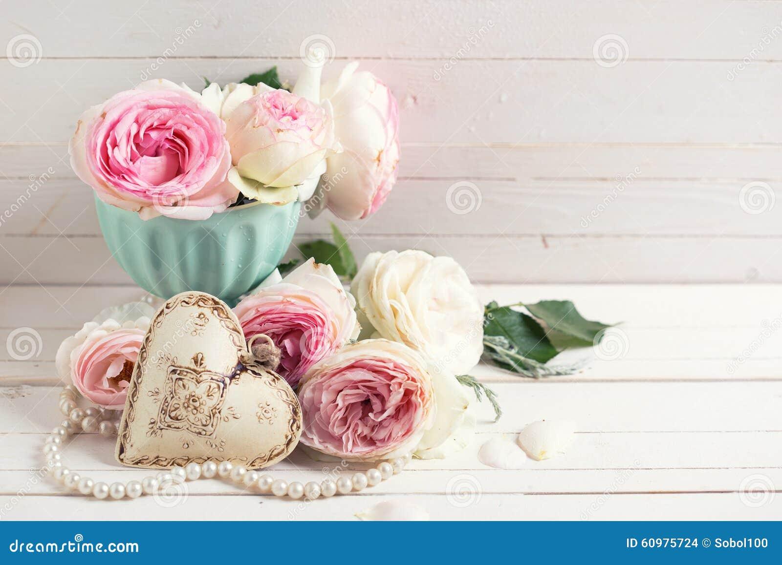 fond avec les fleurs roses douces de roses photo stock image du beau photo 60975724. Black Bedroom Furniture Sets. Home Design Ideas