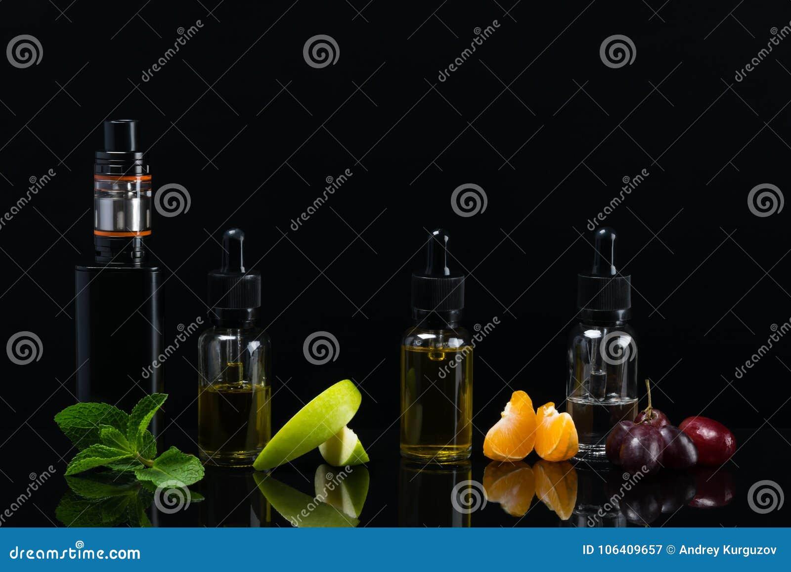 Fond avec un ensemble de saveurs de fruit avec la réflexion sur la surface pour une cigarette électronique