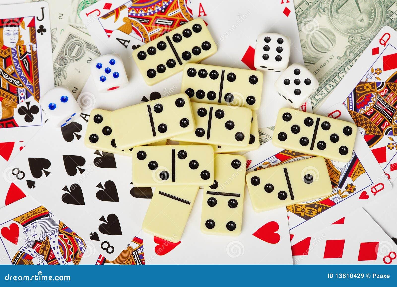 """Résultat de recherche d'images pour """"jeux de carte et domino"""""""