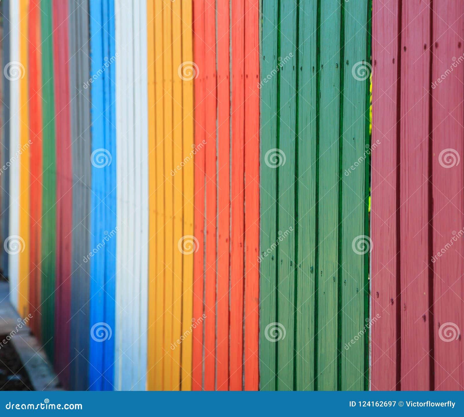 Fond coloré de barrières d arc-en-ciel de vintage concept intérieur de construction et extérieur industriel de matériaux