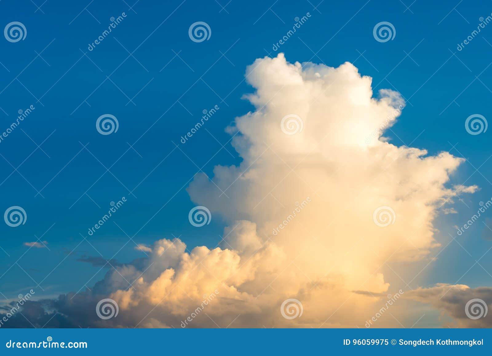 Fond coloré de ciel