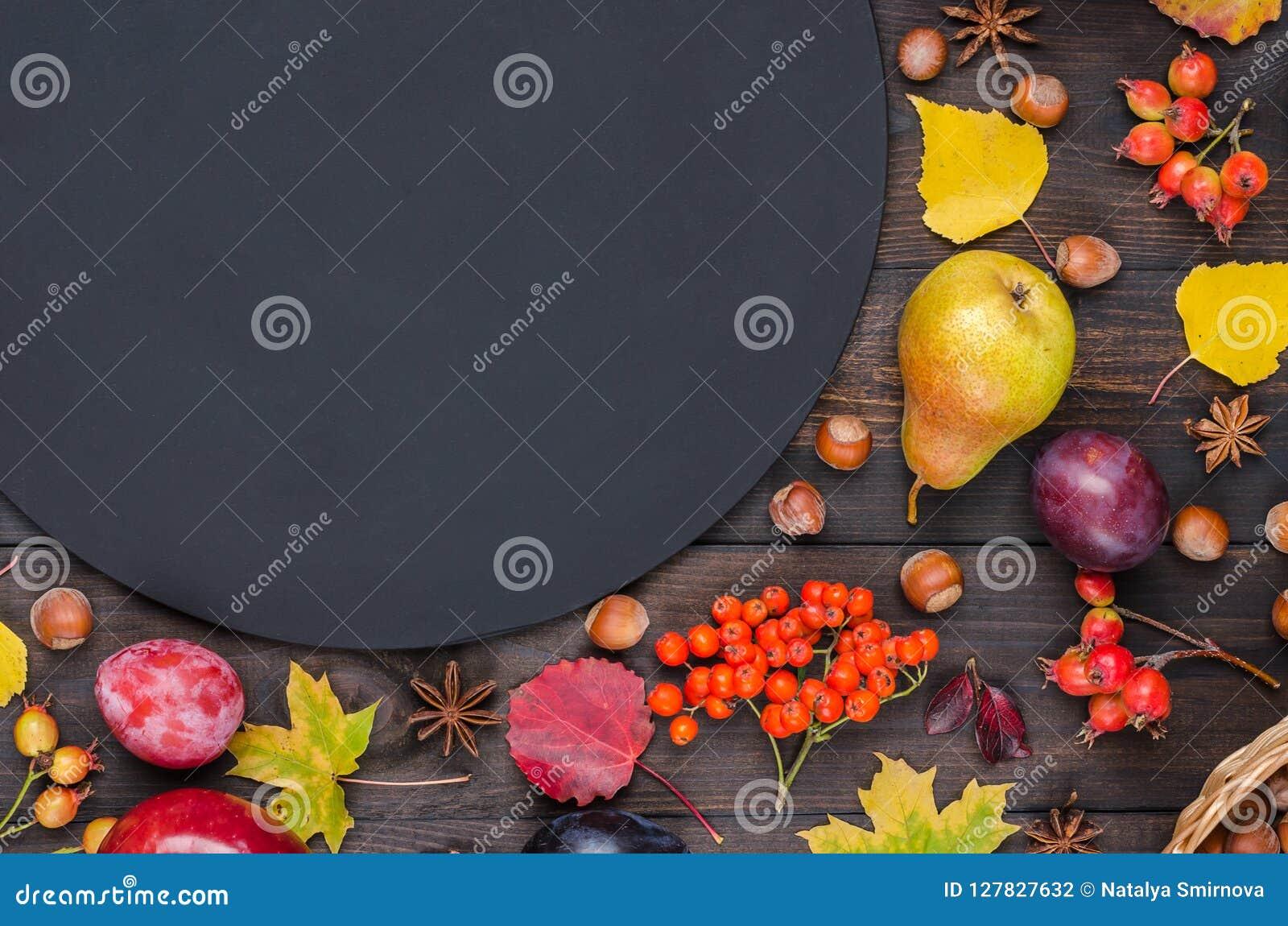 Fond D'automne Avec Un Tableau Photo stock - Image du automne, avec: 127827632