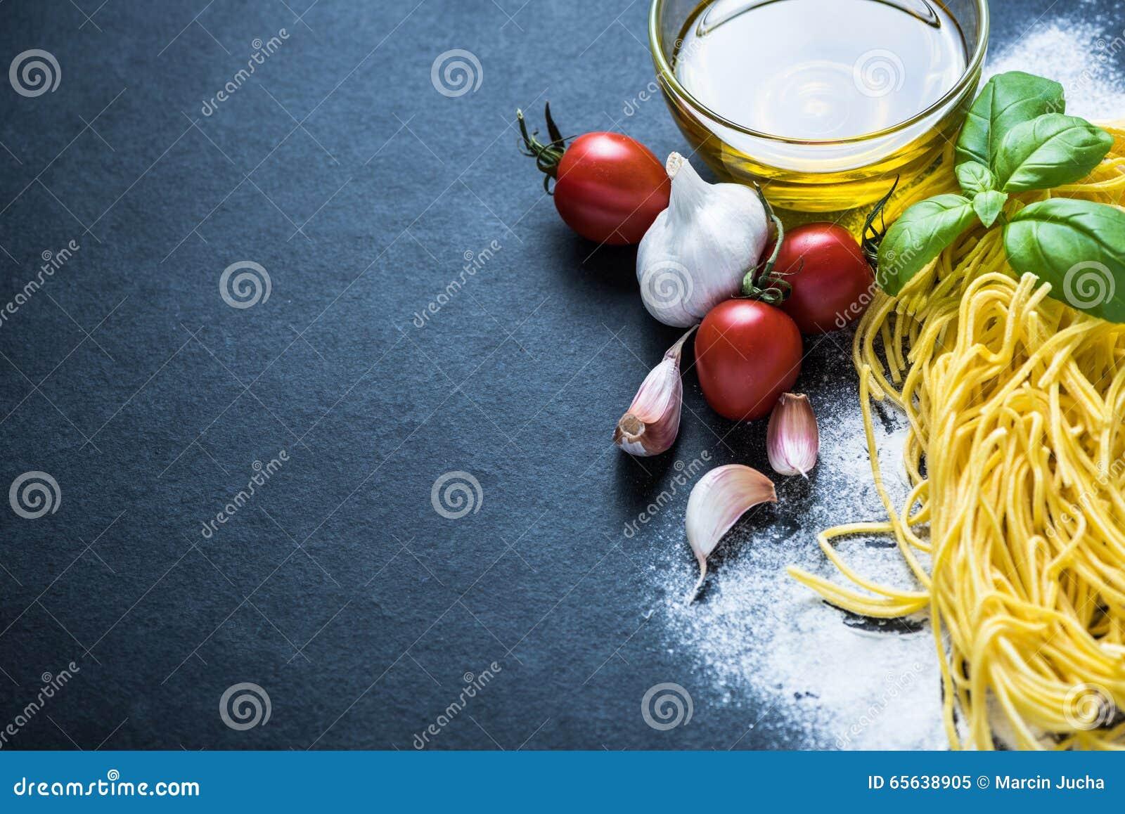 Fond de frontière de nourriture, pâtes faites maison