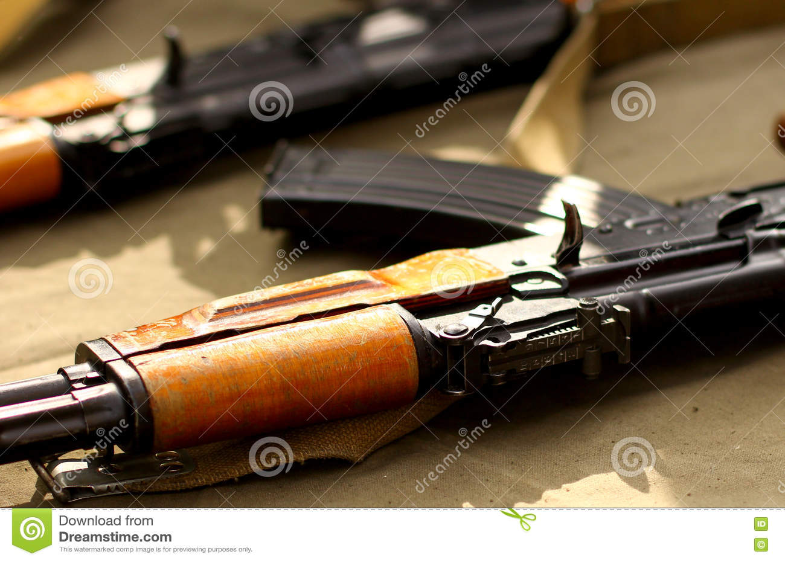 Fond de militaires de Weapons de terroriste