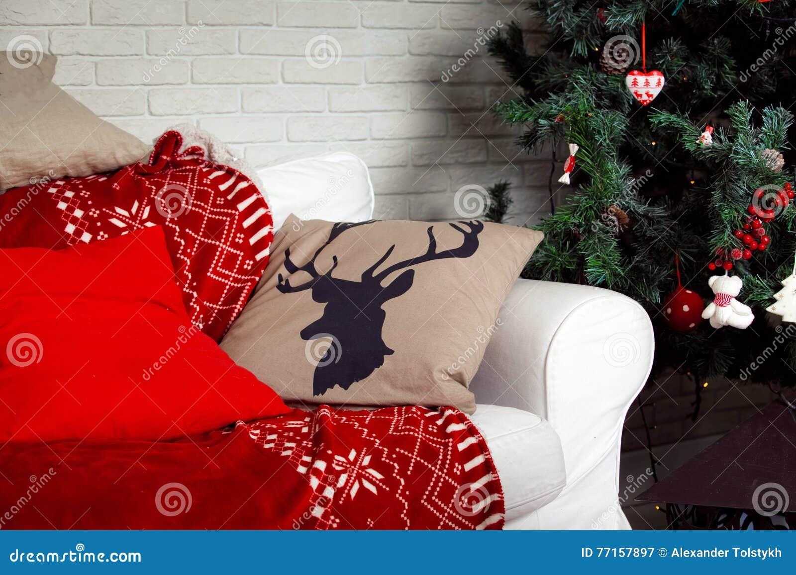 Fond de Noël avec la copie de cerfs communs sur l oreiller