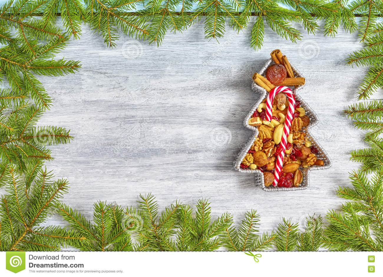 Fond de Noël avec le cadre impeccable