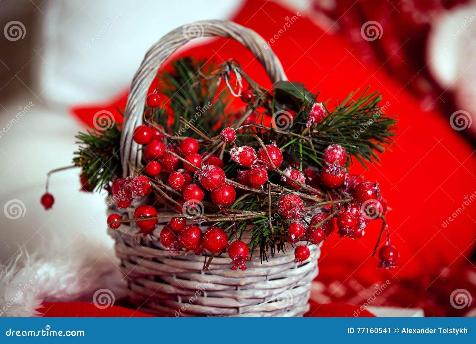 Fond de Noël avec le panier de baie