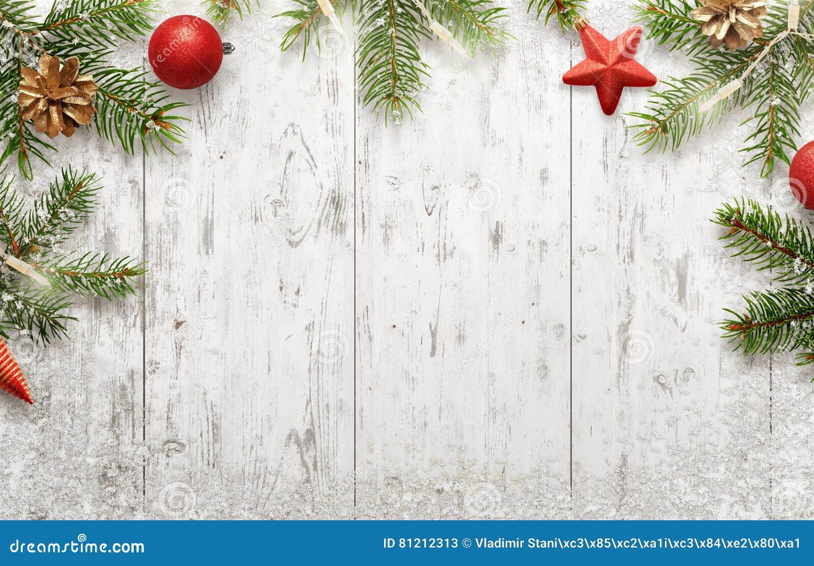 Fond de noël blanc avec l arbre et les décorations image stock