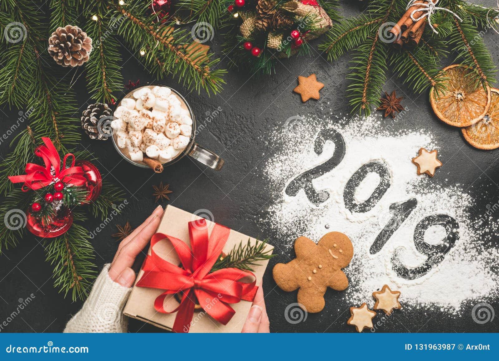 Image Ou Photo De Noel.Fond De Noel 2019 Ou De Nouvelle Annee Avec Le Boite Cadeau