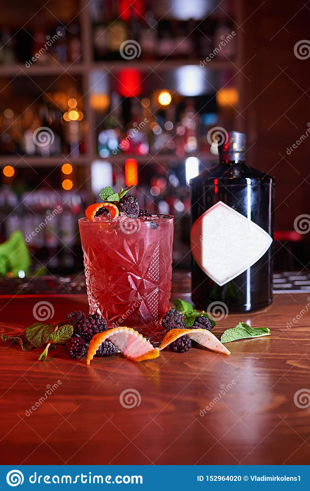 Fond de tache floue de cocktail d alcool