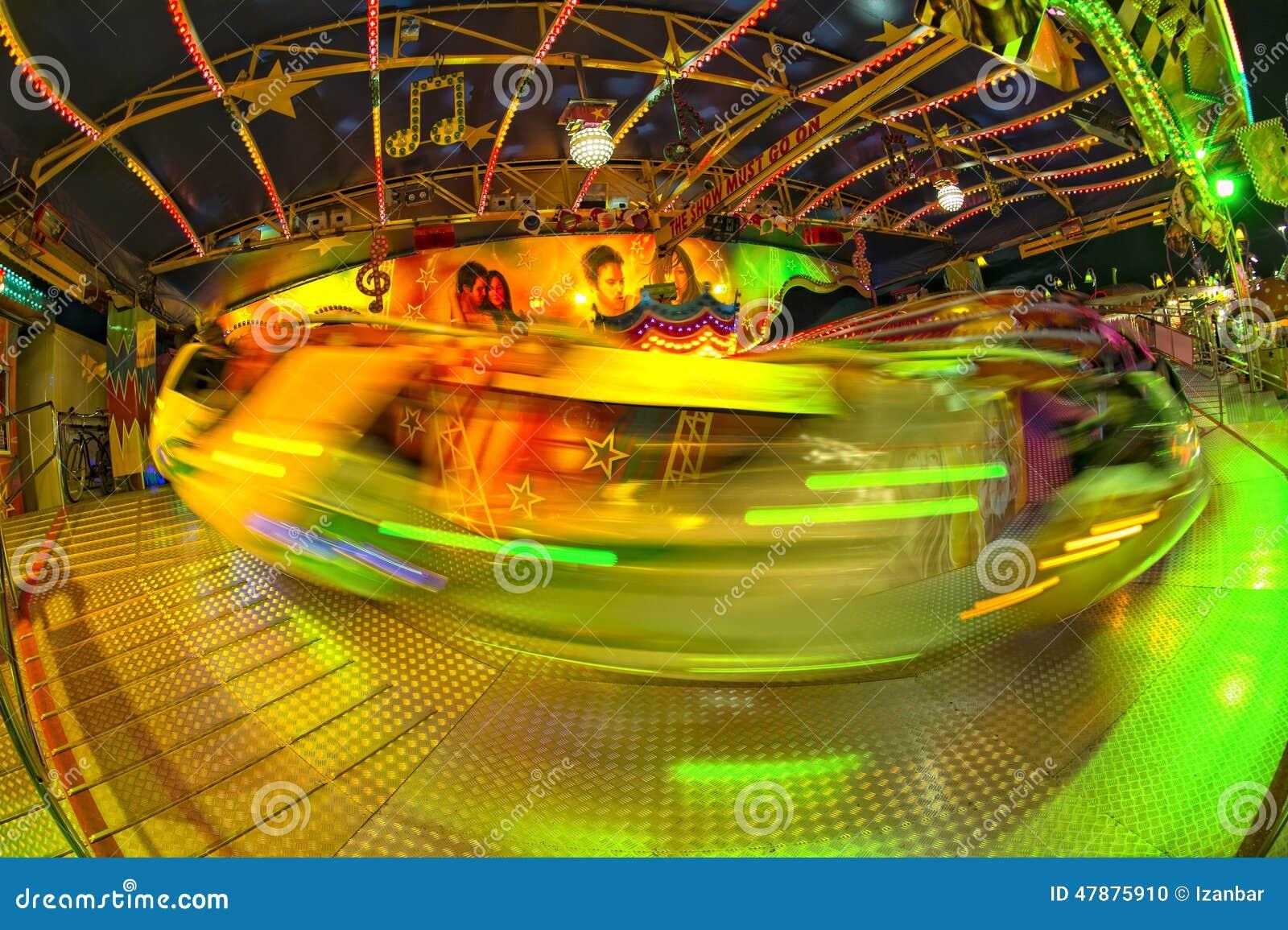 Fond mobile de lumières de Luna Park de carnaval de foire d amusement