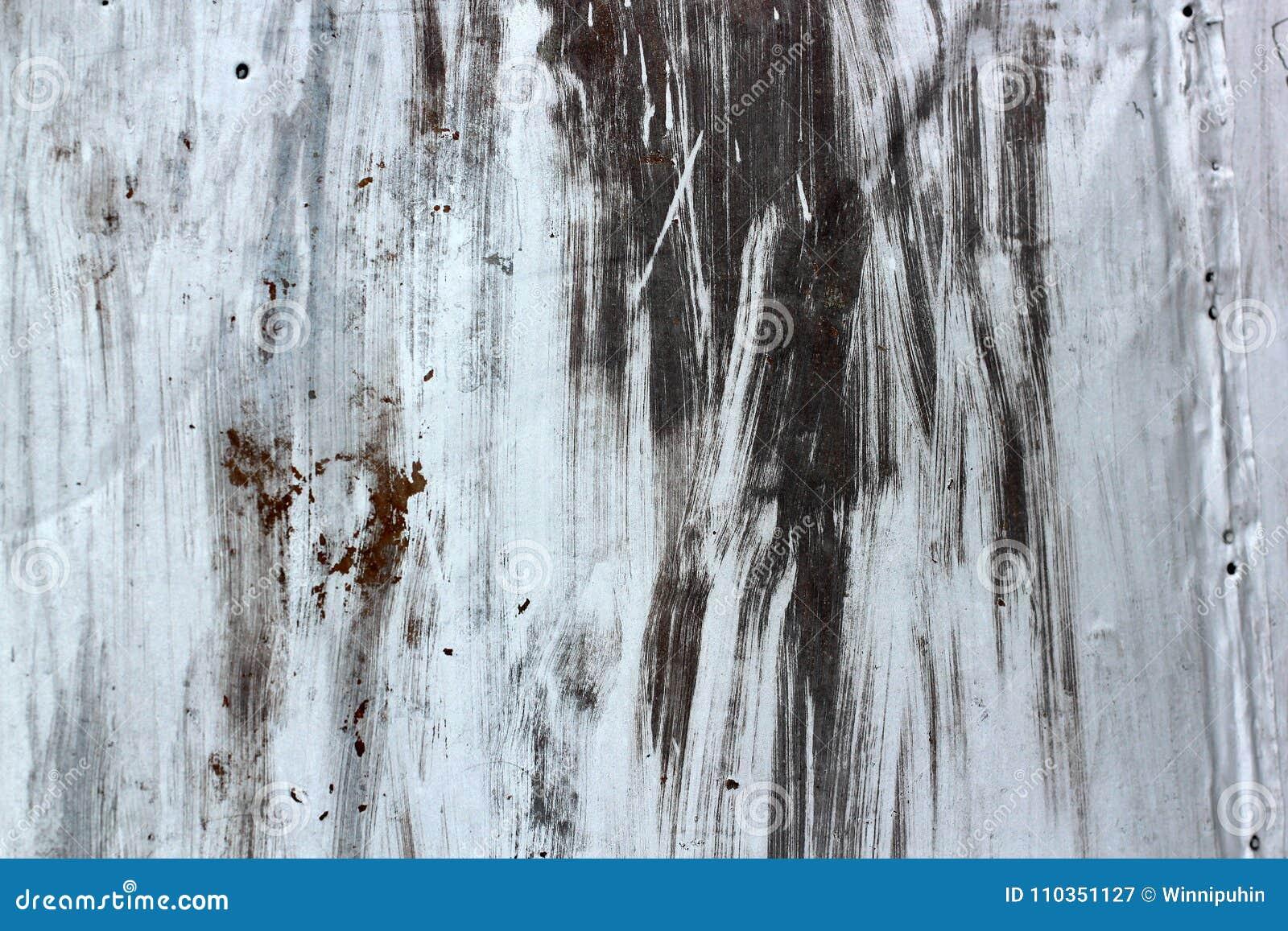 Fond original de peinture d art abstrait rétro la brosse grunge blanche frotte la peinture sur le fond noir la rouille émerge