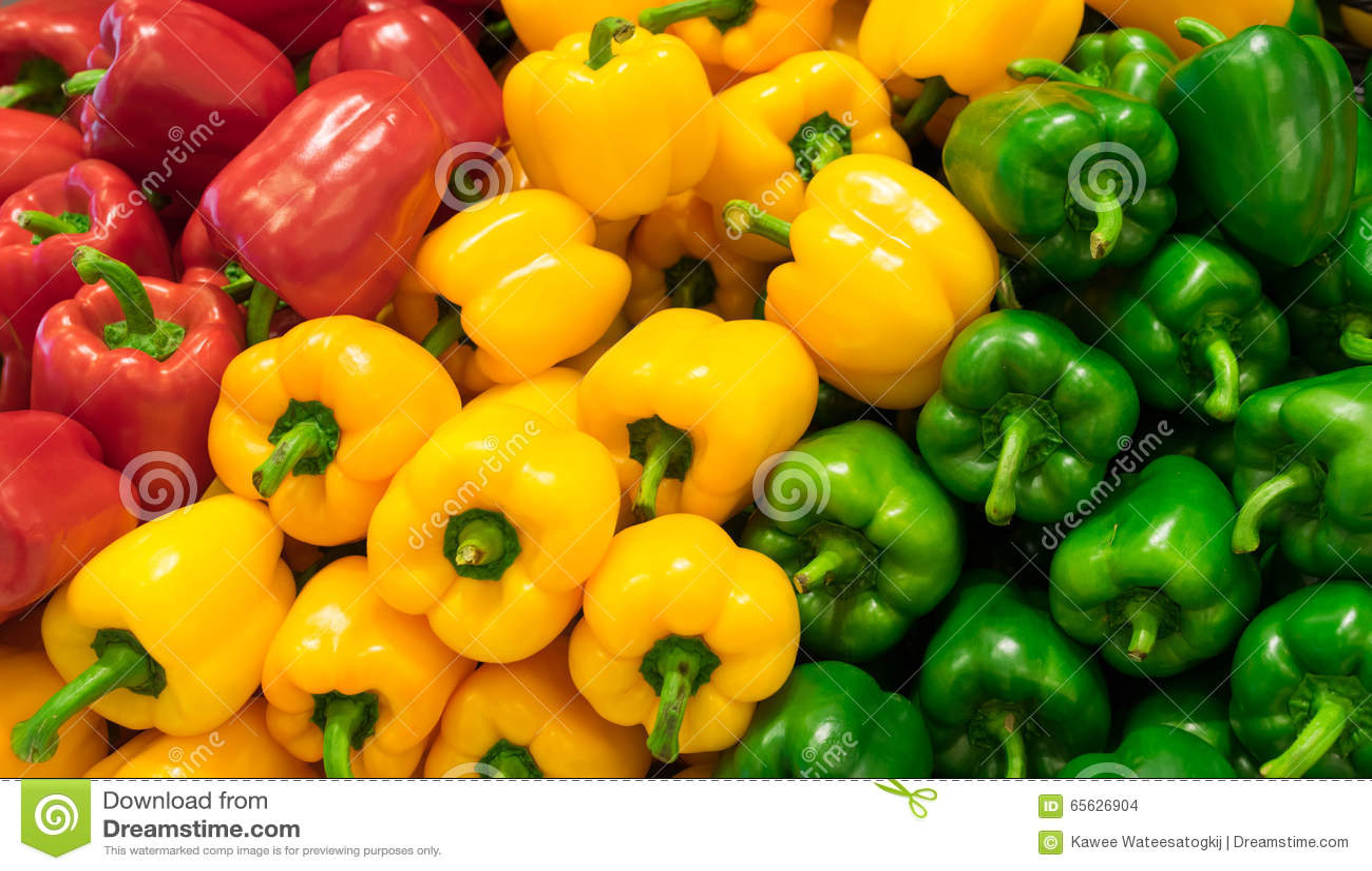 Fond rouge, jaune, et vert de paprikas (poivron)
