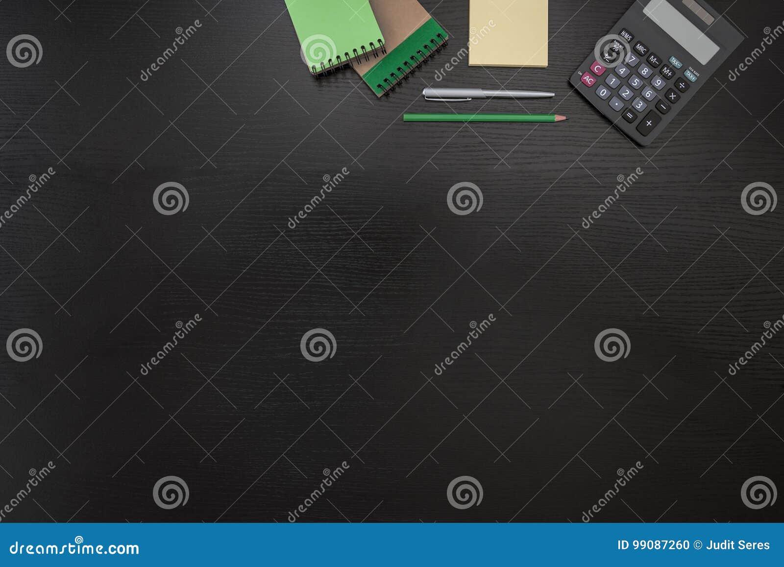 Fond vert noir jaune d affaires de bureau avec le post it