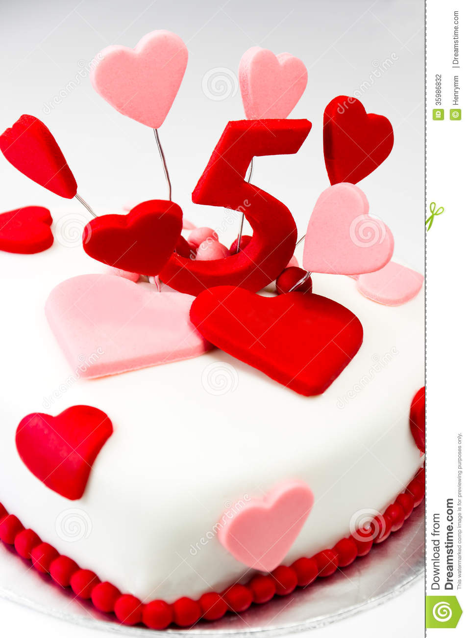 Love Shape Cake Decoration : Valentines Cake Stock Photography - Image: 35986832