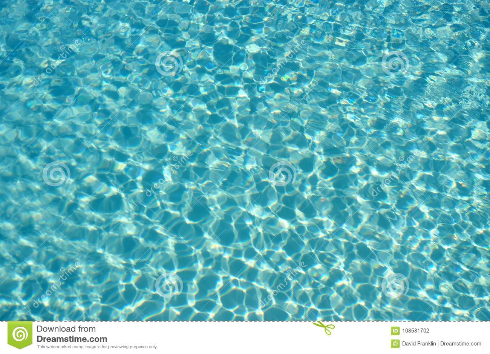 Fondo abstracto superficial reflector ligero del agua de la piscina