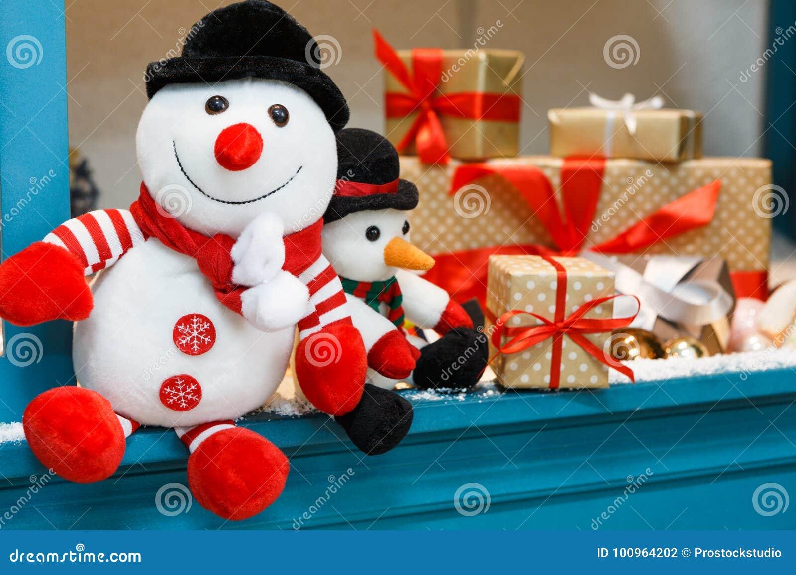 Immagini Di Natale Pupazzi Di Neve.Fondo Accogliente Di Natale Pupazzi Di Neve E Presente Del
