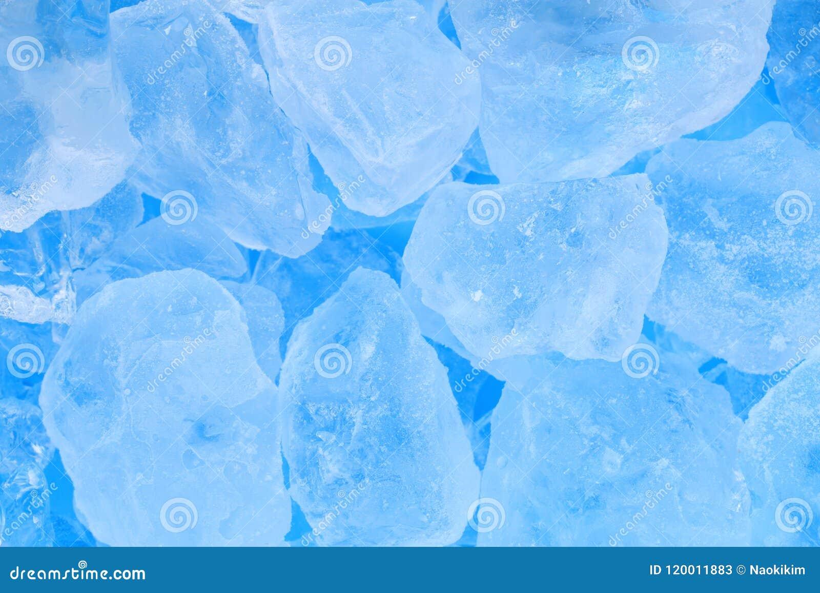 Fondo azul de la textura del cubo de hielo del verano