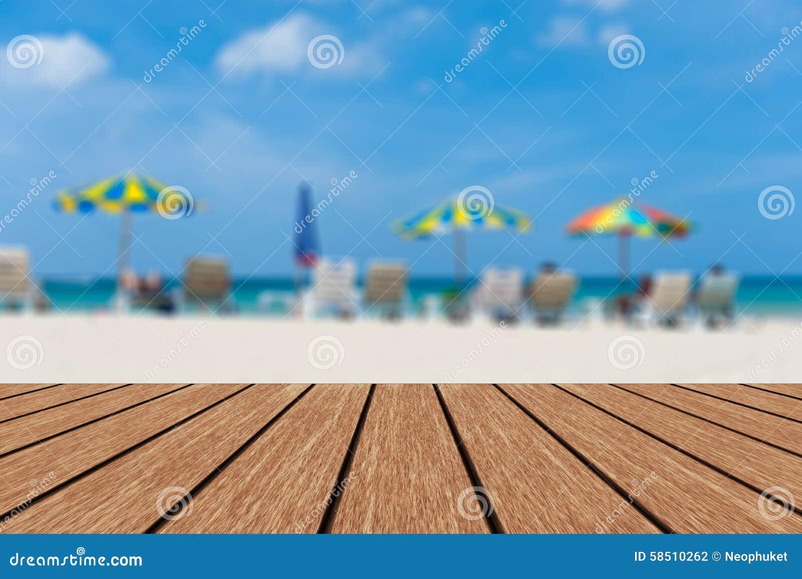 Fondo Blu Sedie Di Spiaggia E Del Mare & Del Cielo Vaghi ...