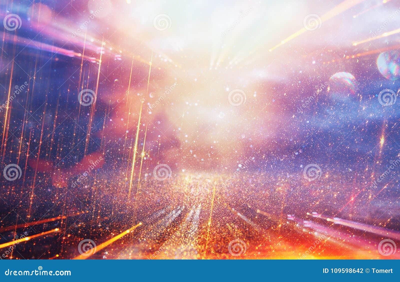Fondo brillante de la galaxia o de la fantasía Abstraiga la explosión de la luz concepto mágico y del misterio