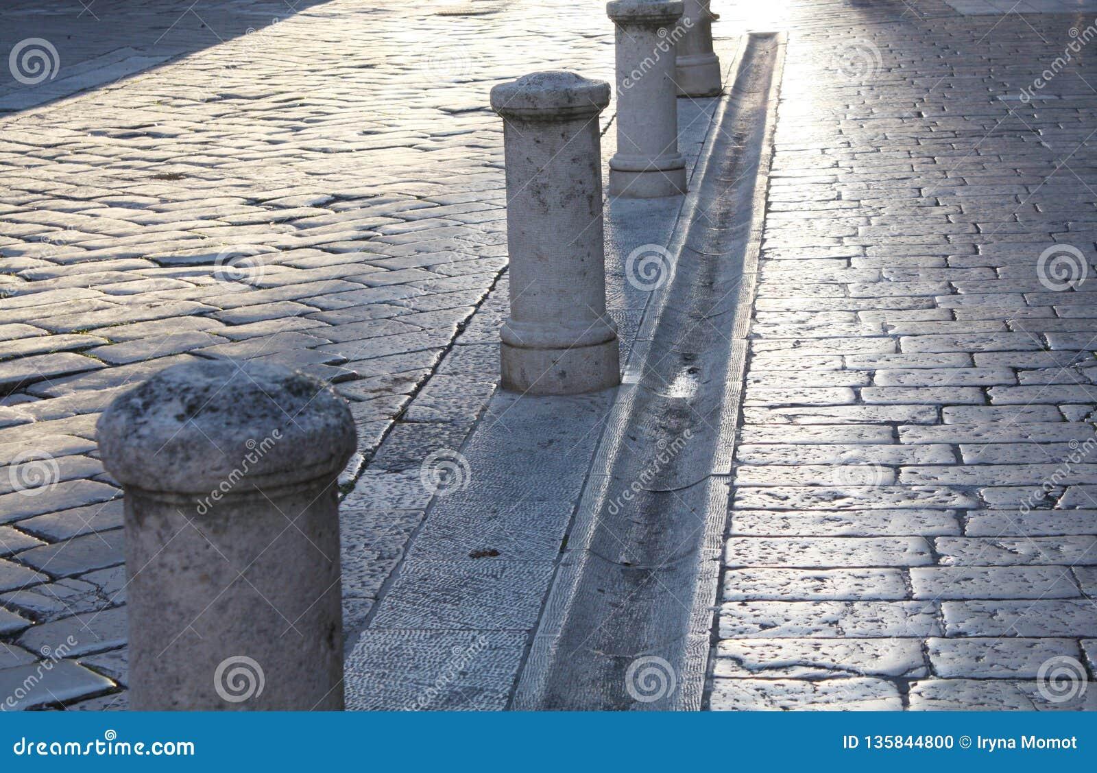 Fondo con la calle de piedra vieja en Zadar Croacia