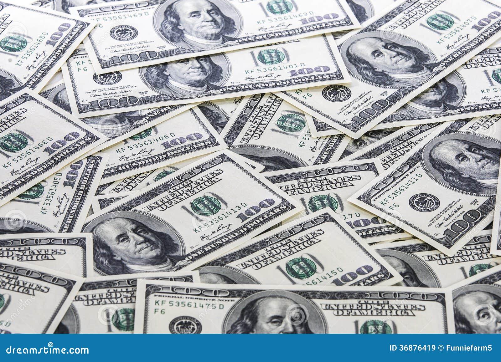 Download Fondo Con Le Banconote In Dollari Dell'americano Cento Immagine Stock - Immagine di economico, banking: 36876419