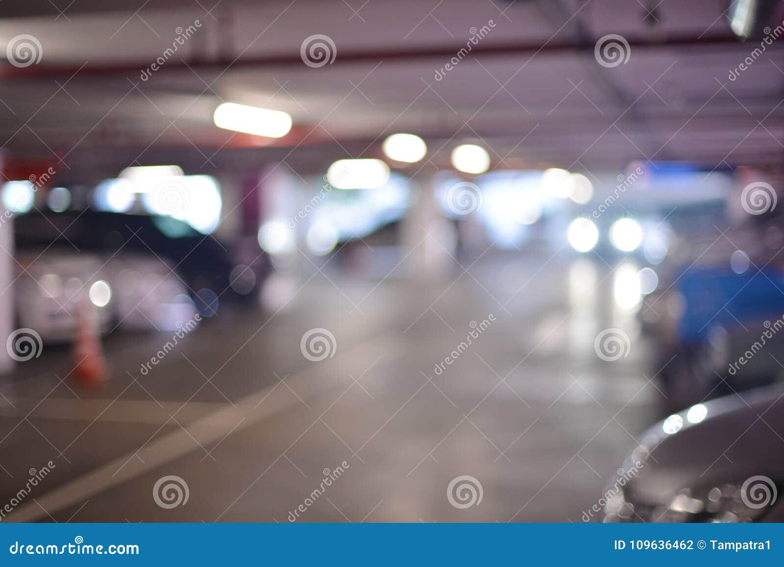 Fondo confuso astratto dei parcheggi nel centro commerciale