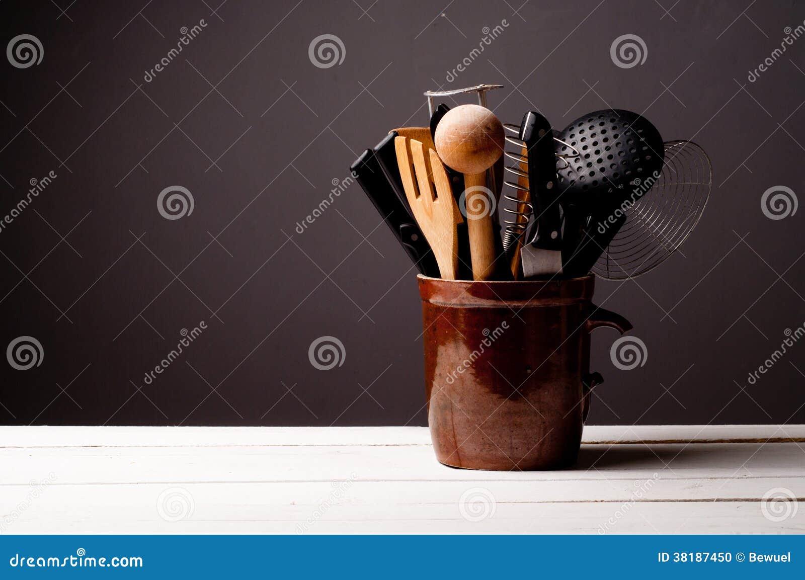 Fondo de la cocina con la tabla de madera
