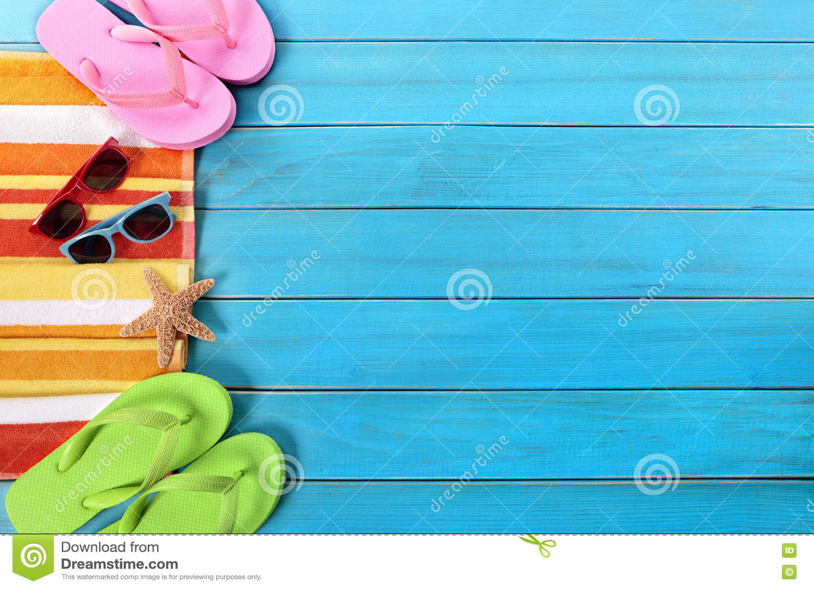 Fondo de la frontera del lado de la playa del verano, gafas de sol, chancletas, espacio de la copia