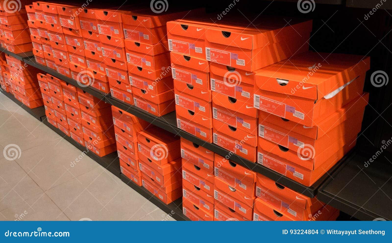 De Fondo Zapatos Las Archivo Nike Apiladas Imagen Cajas zrdrU1nq