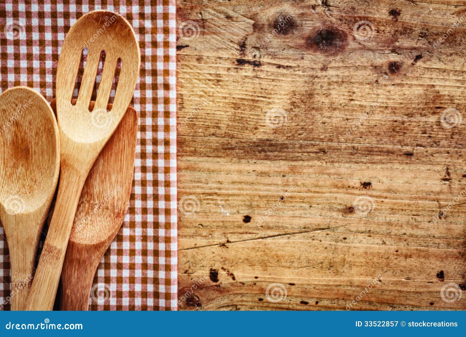 Fondo de madera con los utensilios de la cocina fotograf a for Utensilios de cocina fondo