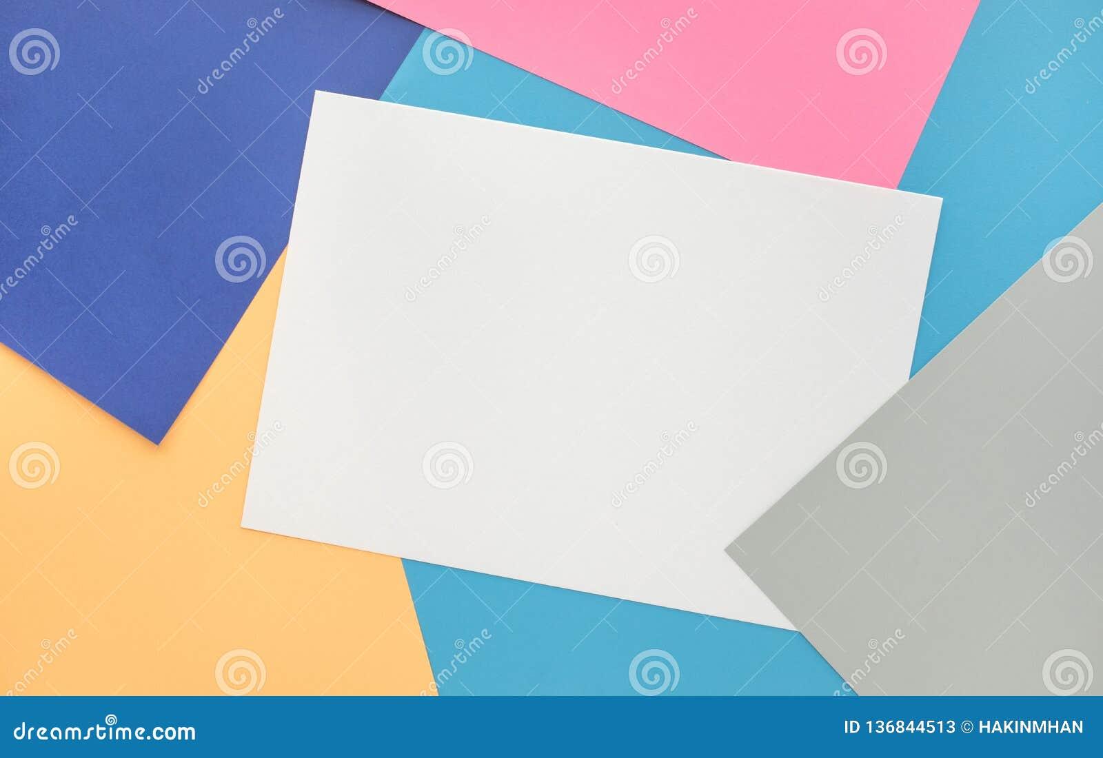 Fondo de papel del color en colores pastel Para la disposición visual dominante