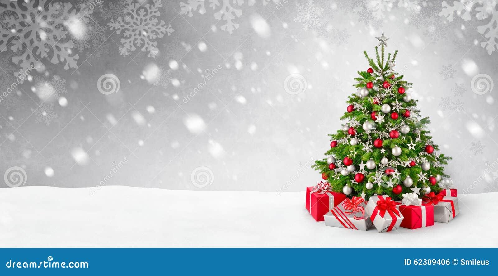 Fondo del árbol de navidad y de la nieve