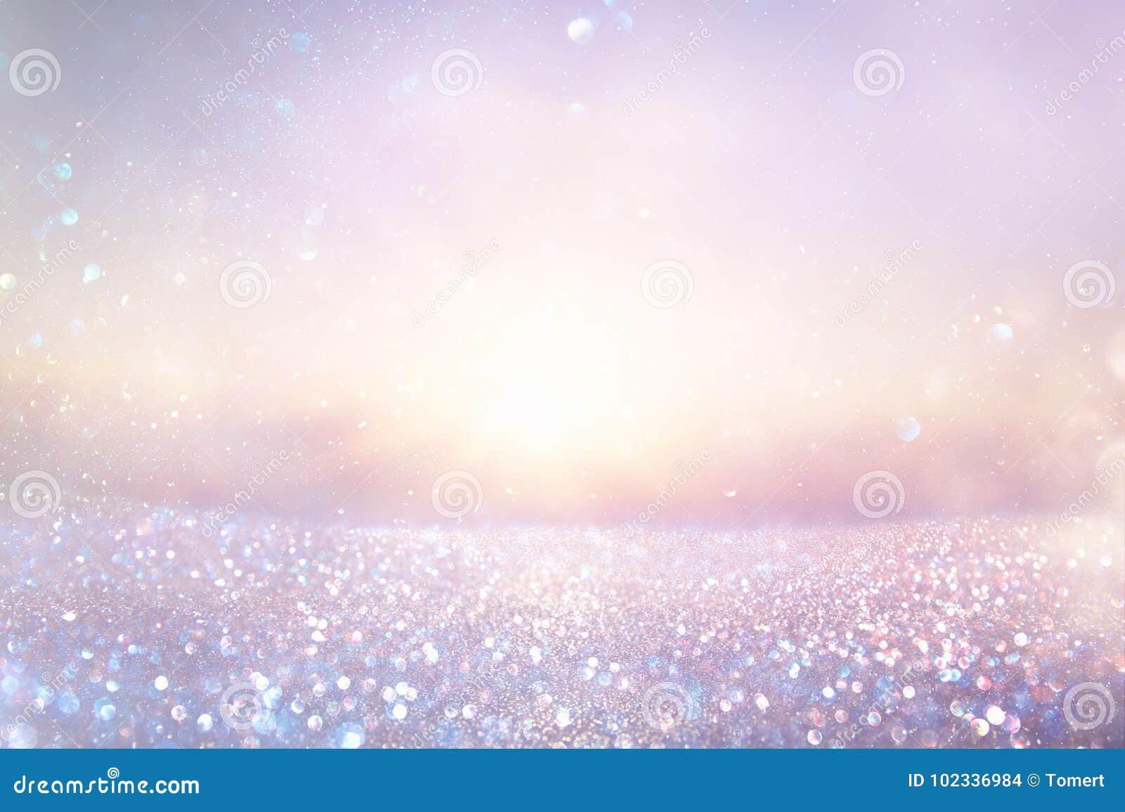 Fondo delle luci dell annata di scintillio di rosa e di porpora defocused