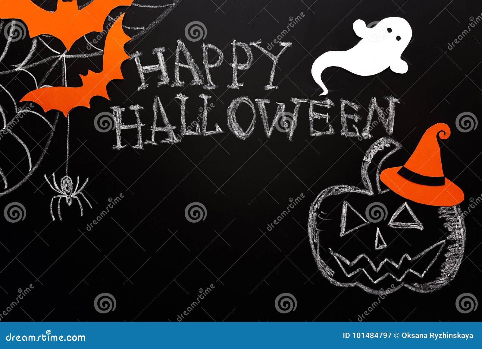 Fondo di Halloween della lavagna con la zucca segnata, fantasma, spi