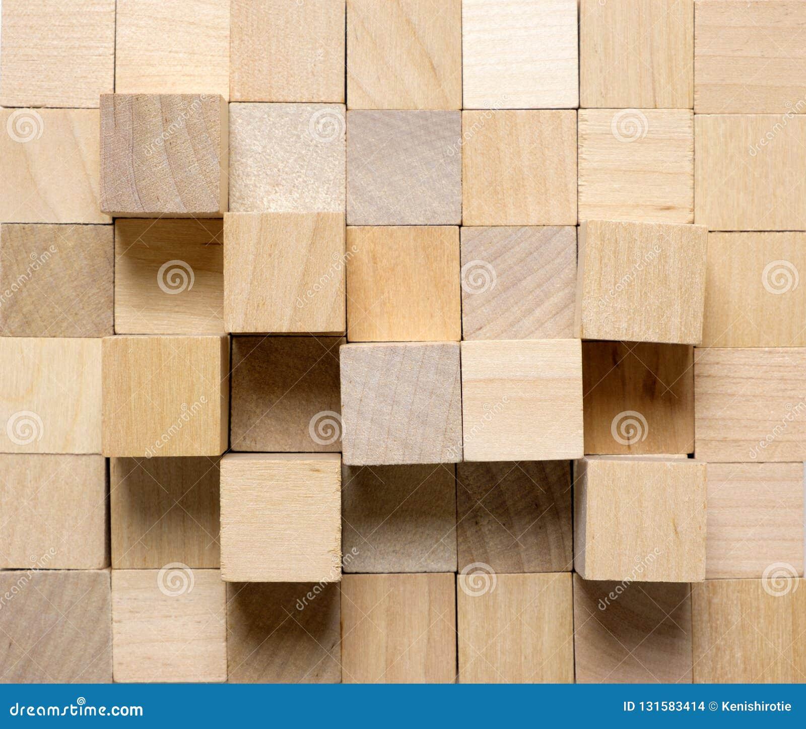 Fondo fatto dai cubi di legno differenti