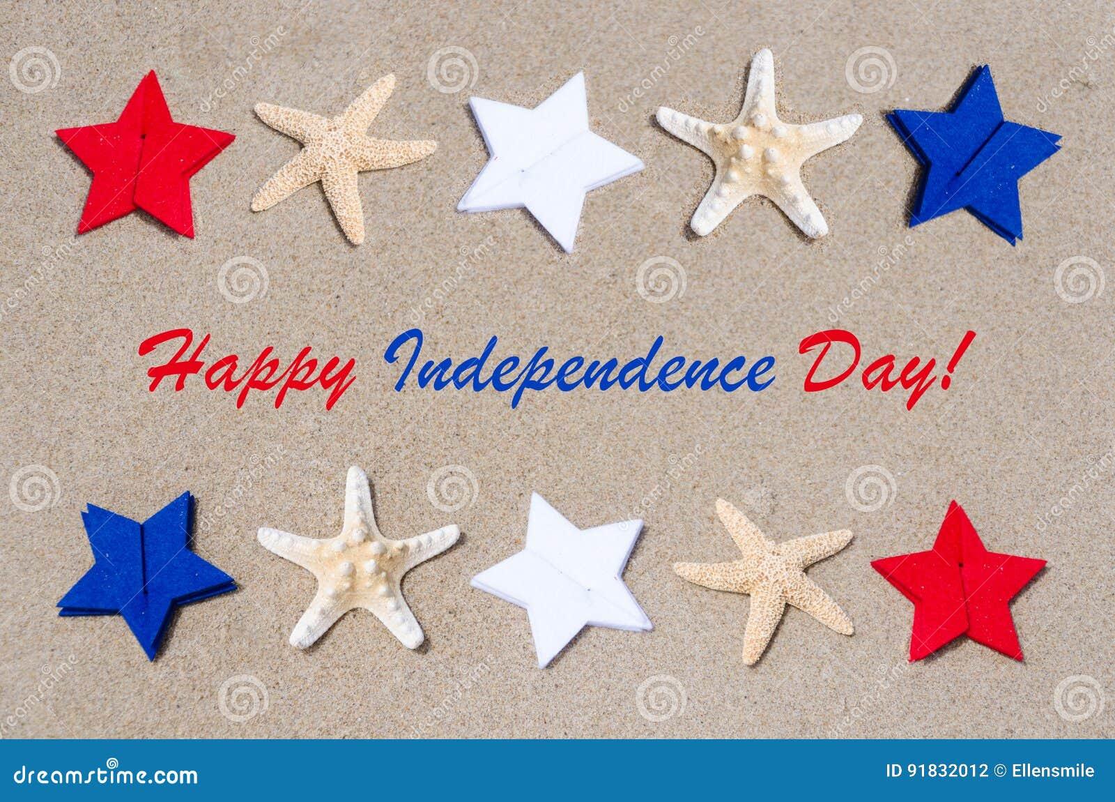 Fondo felice di U.S.A. di festa dell indipendenza con le stelle e le stelle marine