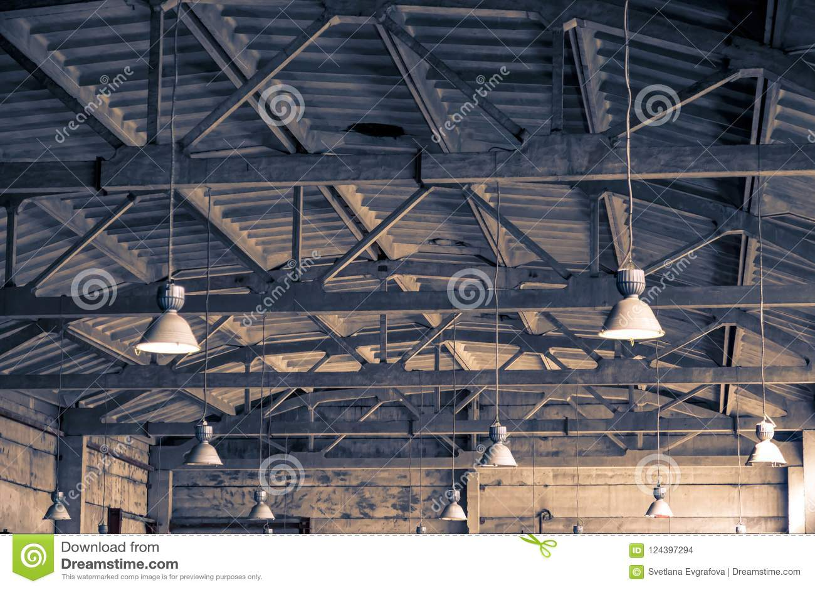 Fondo industriale architettonico soffitto tetto e illuminazione