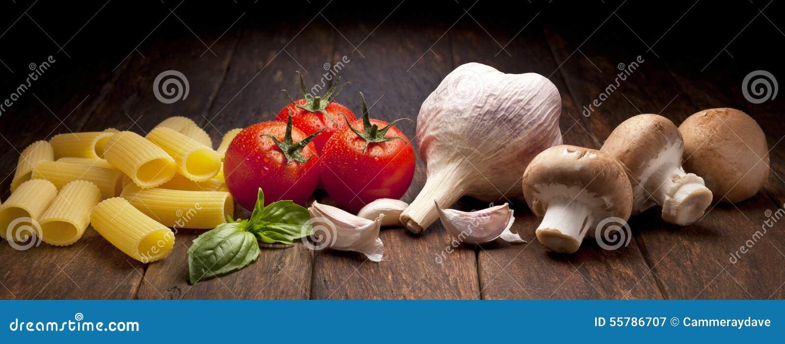 Fondo italiano de las pastas de la comida