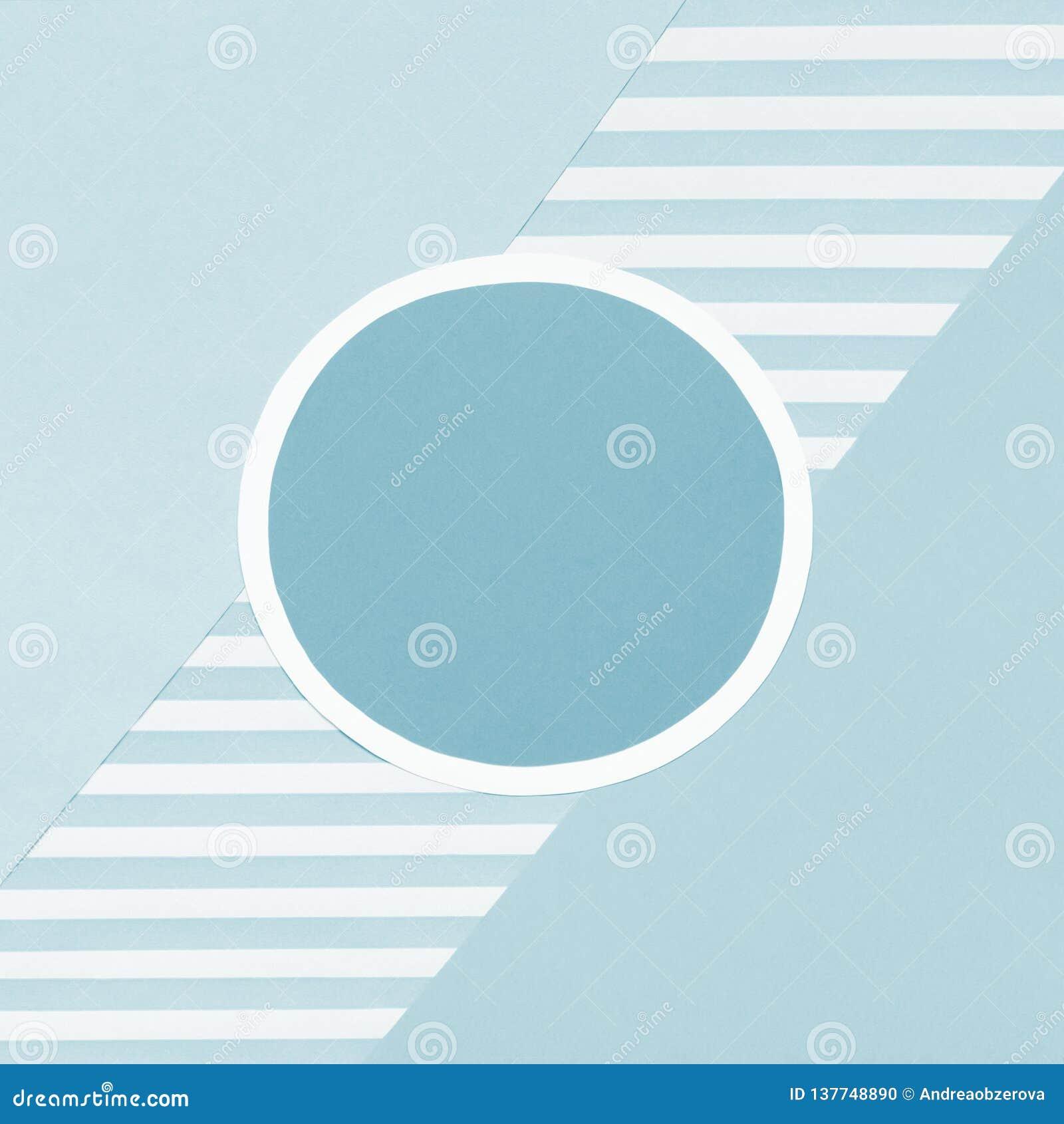 Fondo puesto plano del color en colores pastel geométrico de los azules cielos del extracto Minimalismo, geometría y plantilla de