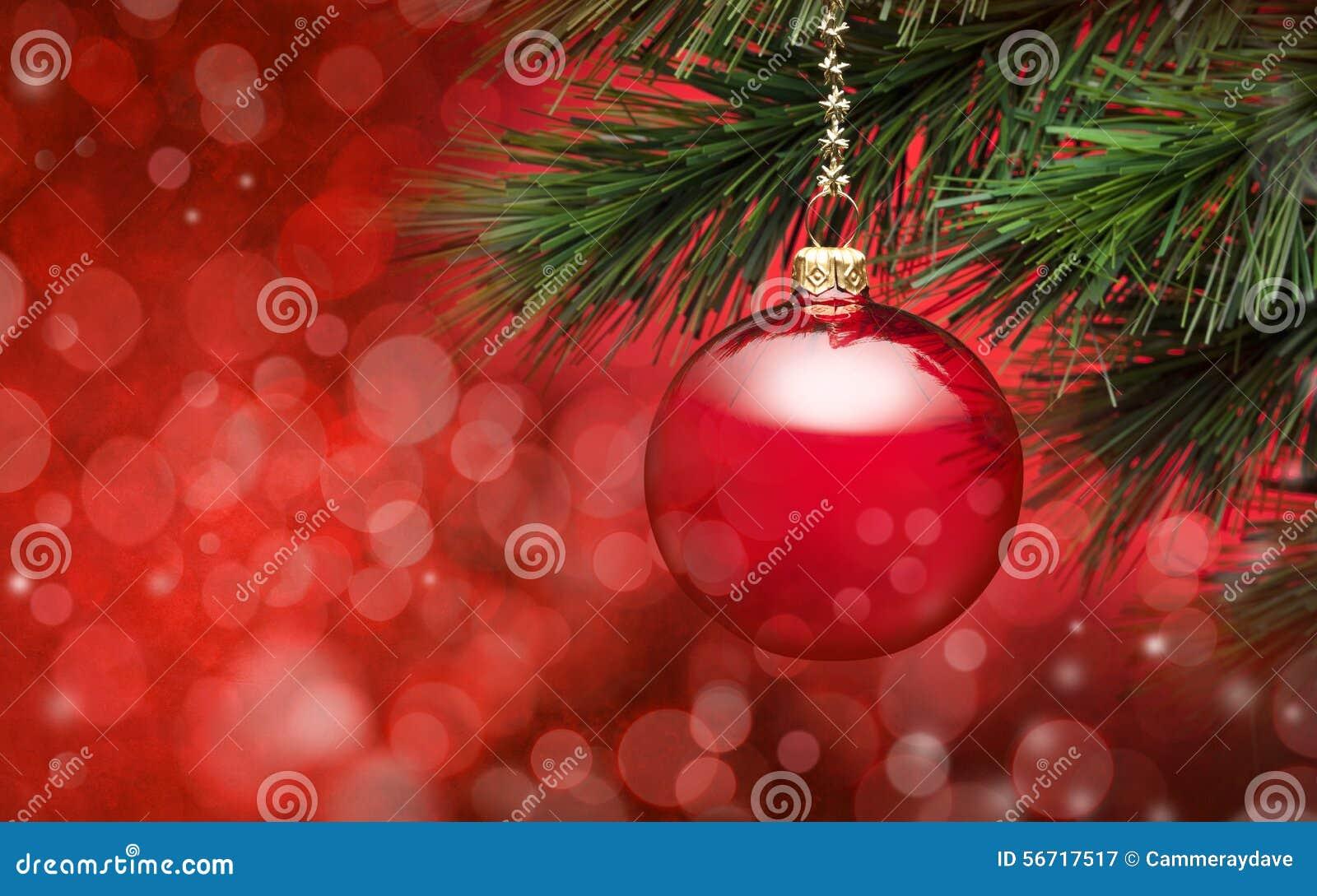 Fondo rojo de la escena del árbol de navidad