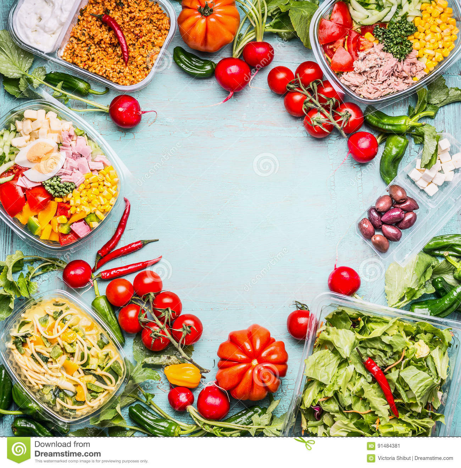 Fondo sano de la consumición con la variedad de cuencos de la verdura y de ensalada de las verduras Nutrición de la aptitud o de