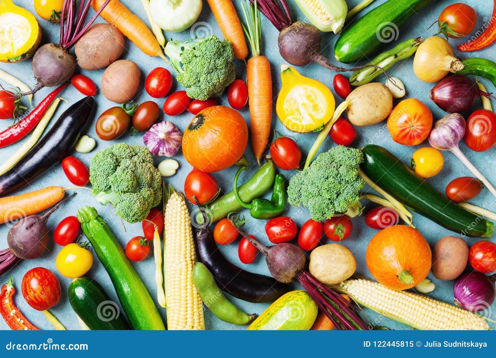 Fondo sano del alimento Verduras del otoño y opinión superior de la cosecha