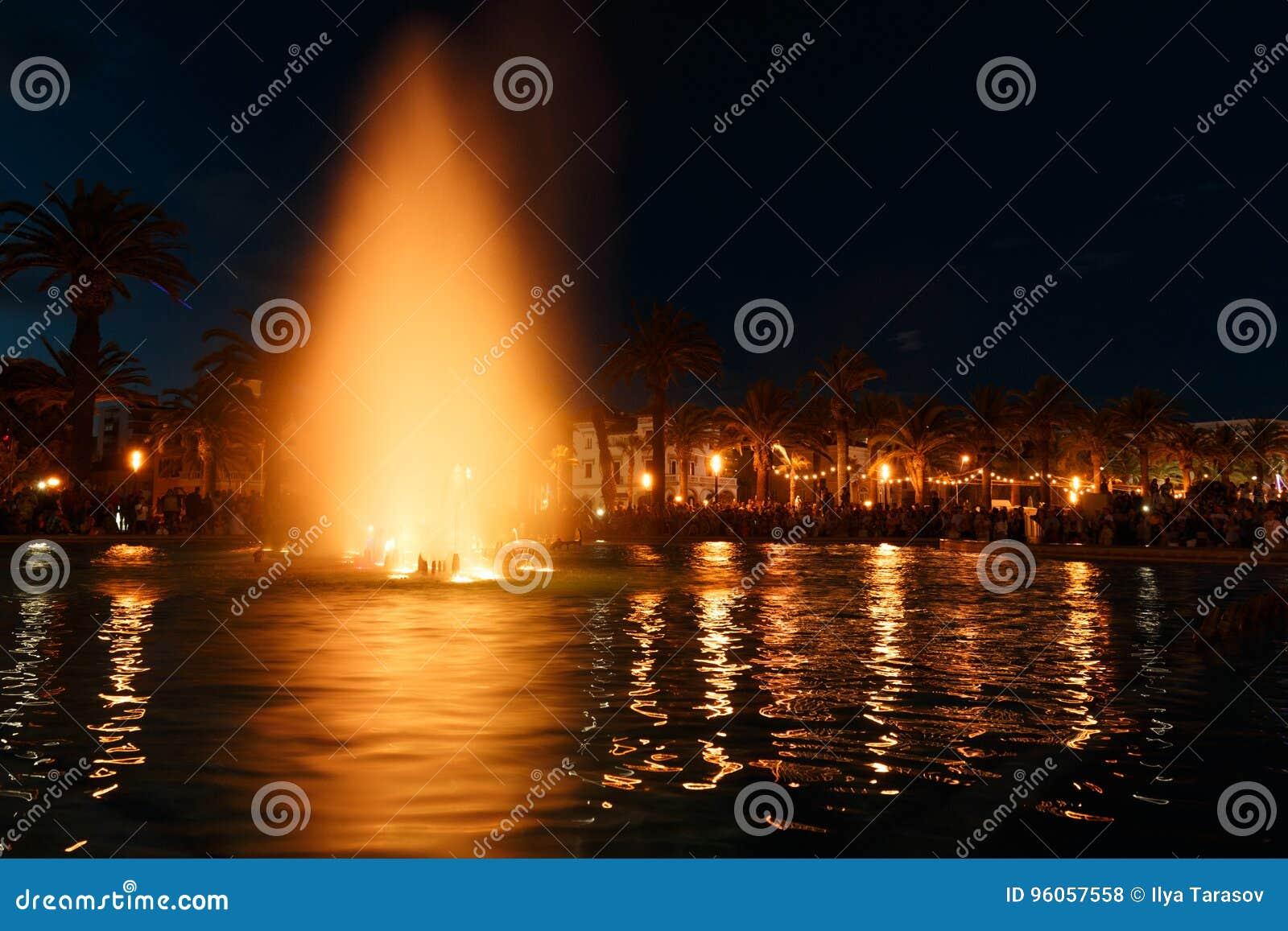 Fontaine d eau colorée