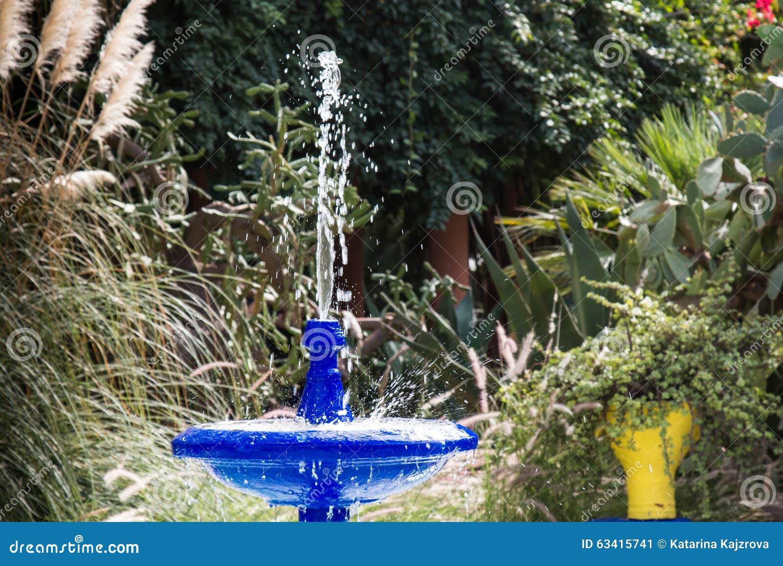 Fontaine Dans Jardin Majorelle Marrakech Maroc Image Stock Image